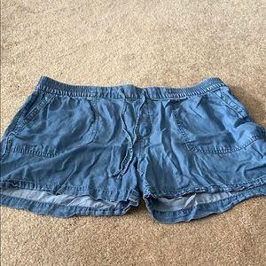 Gap denim shorts size L